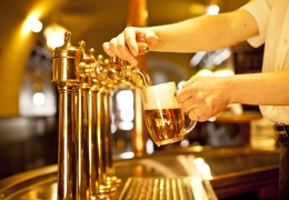 Beer being served in a pub | Local Food London