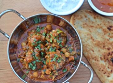 Mutton kofta curry with chickpeas
