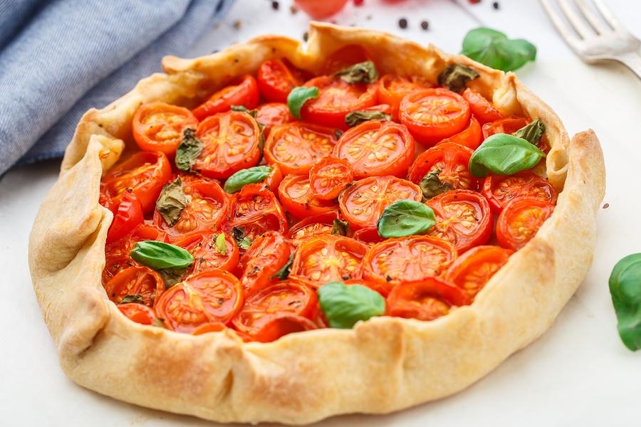 Slow roast tomato tarte tatin