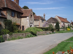 Amberley_Church_St_resize_credit_Amberley__House_Cottages_dot_co_dot_uk.jpg